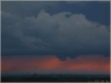 Фотографии закатов. Страшный закат. Черные тучи