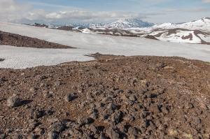 Застывшая лава на склоне вулкана Горелый