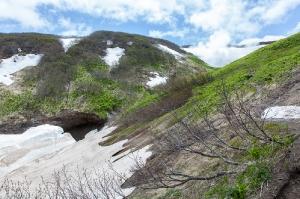 Дорога в Мини Долину гейзеров. У Мутновского вулкана