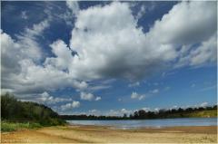 Река Клязьма. Фото. Песчаный берег. Летний пейзаж