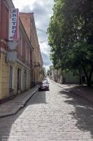 Выборг. Прогонная улица. Старинная брусчатка на мостовой