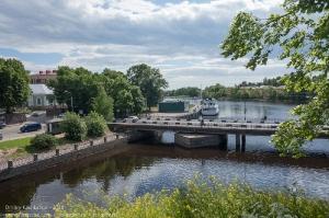Вид на Крепостной мост с острова Выборгского замка