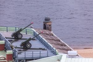 Орудия полуденного выстрела. Петропавловская крепость. Фото