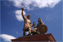 Памятник Минину и Пожарскому. Достопримечательности Нижнего Новгорода. Фото